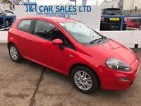 FIAT PUNTO 1.2 EASY 3d 69 BHP A GREAT EXAMPLE INSIDE AND OUT (red) 2015