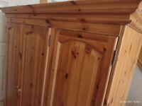 Triple pine wardrobe with drawers