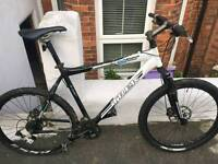 6 Series Trek Mountain Bike large frame needs Repairs