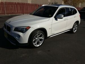 2012 BMW X1 28i, Automatic, Leather, Panoramic Sunroof, AWD