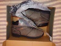 Mens timberland boots 9.5 bnib