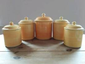Kitchen storage pots / canisters / jars