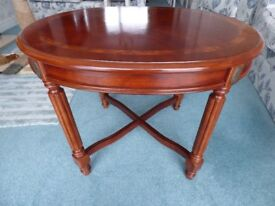 Mahogany Coffee/Side table in beautiful condition.
