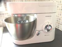 Kenwood Chef Priemier, with attachments all hardly used