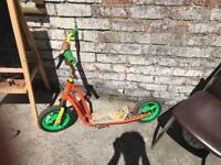 Kids scoter with stand