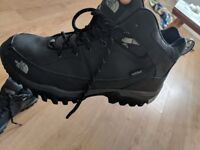 North face walking boots mint condition worn once!