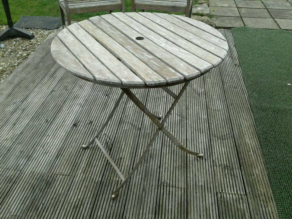 Rustic Weathered Round Garden Table Wooden Top Metal Fold Up Base Umbrella Hole