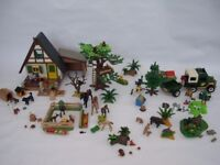 Playmobil Forest Lodge 4207+additional sets Super Condition re-sealed Xmas