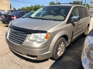 2009 Chrysler Town & Country Touring CALL 519 485 6050 CERTIFIED