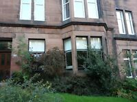 Beautifully presented 2 bedroom flat in prime west end location