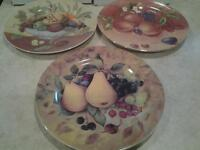 """NEW"" 3 DECORATIVE PLATES"