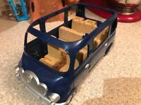 Sylvanian Families 7 seater mini bus in excellent condition