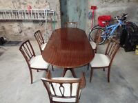 Strongbow Oval Mahogany Extending Dining Table and 6 Chairs