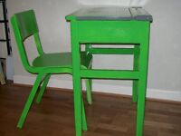 childs green desk and chair