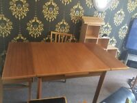 Table with extendable sides & 4 chairs