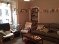 Flat in central Edinburgh to rent for the festival month of August 2016.