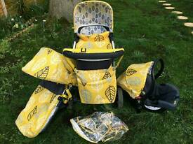 Cosatto Giggle 2 travel system 3in1