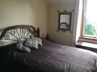 NO BILLS! Lovely large double room with gorgeous views (Connaught Terrace BRIGHT Victorian flat)