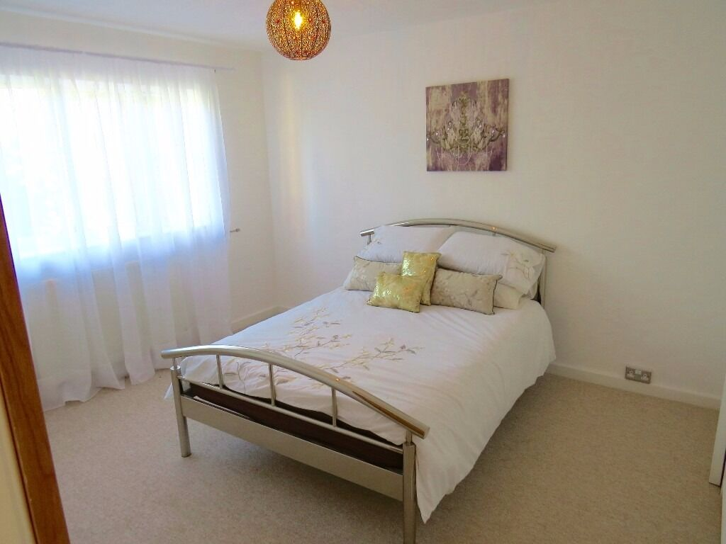 SHORT TERM LETS 1-3 months. one room available - in East End Road E. Finchley N2 inc biils
