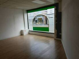 Large Shop Window unit to rent in shopping centre ex opportunity Leicester