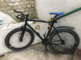 NO LOGO BIKE for sale. Schwalbe marathon plus