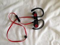 Powerbeats 2 wireless headset