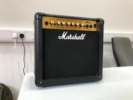 MARSHALL GUITAR AMP MG15cdr