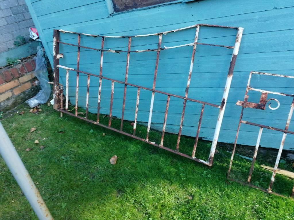 10 foot metal garden gates | in Bangor, County Down | Gumtree