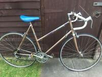 Vintage ladies Peugeot road racing touring city town bike - rare colour - cinnamon