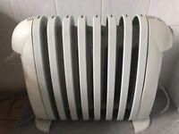 DeLonghi Bambino Oil Radiator - 800 Watt