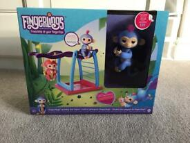 WowWee Fingerlings monkey playset