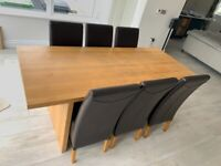Oak Dining Table & 6 x Chairs