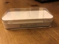 Apple iPod touch 4th generation 8GB with original packaging and 2 free cases