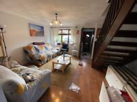 Beautiful 3 Bedroom Terraced House with 2 toilets at Gibson Road near chadwell Heath station