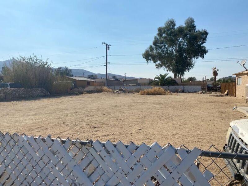 So. California Homesite/Residential Lot - Paved Road & Utilities NR!!! 29 Palms