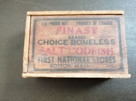 UNUSUAL VINTAGE SALT CODFISH BOX FROM CANADA