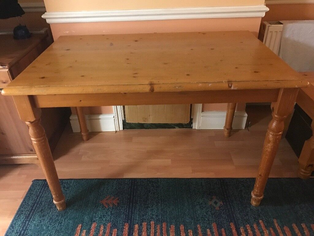 Free oak table! Worn and used but great for upscaling/painting over