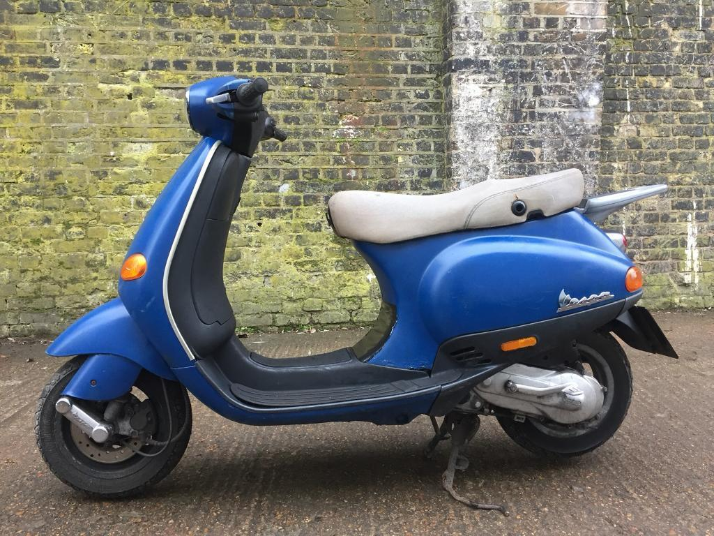 fully working 2003 piaggio vespa et2 50cc scooter 50 cc learner legal moped in clapham. Black Bedroom Furniture Sets. Home Design Ideas