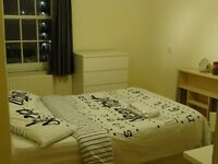 Next to Vauxhall Station Double Room Available