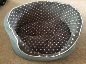 Puppy Bed, Pads & Bowls