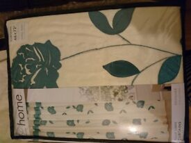 Brand new floral curtains for sale, 2 packs