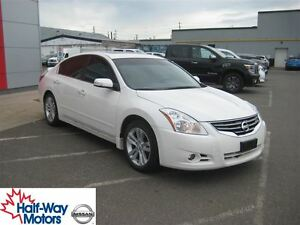 2011 Nissan Altima 3.5 SR | Clean CarProof!