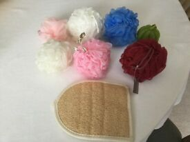 Job Lot of 7 Sponges and 1 Bath Mitt - All NEW- Only £1.50!