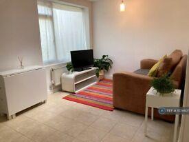 Studio flat in West Grove, London, SE10 (#1074407)
