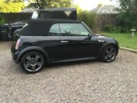 Mini Cooper S convertible in black