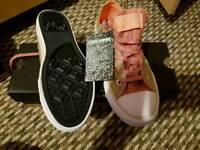 Girls / Ladies Brand New Converse - Size 2
