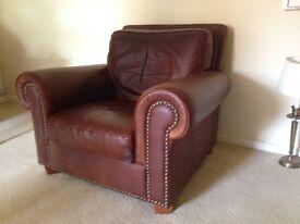 Unique Vintage Club Leather Chair