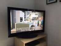 LG 42 INCH TV WITH BASE STAND - £70 TOOTING BEC