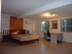 Huge Aircon Room Queen Bed,100m to Sunnybank Plaza,15mins to City Robertson Brisbane South West Preview