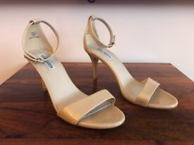 Genuine Steve Madden Nude Heels UK Size 7 SILLLY BLUSH COST APPROX £60